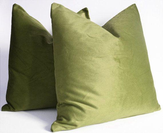Sukan / 2 SET Olive Green Velvet Pillows - velvet throw pillows - vel?