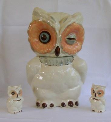 ... 1940's Shawnee Pottery Winking Owl Cookie Jar Salt & Pepper Shake...