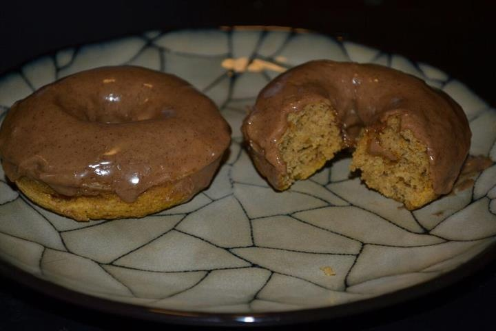 ... Sweet Kitchen: Baked Pumpkin Doughnuts with Maple Cinnamon Glaze