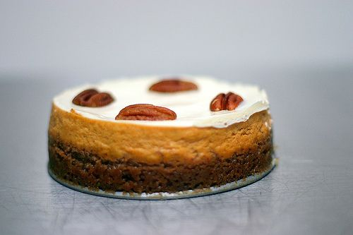 might have to make this bourbon pumpkin cheesecake for my little bro ...