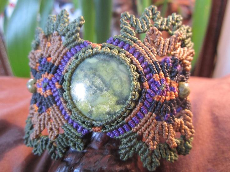 Handmade gemstone macrame bracelet wrisband bracelet fait - Bracelet original fait main ...