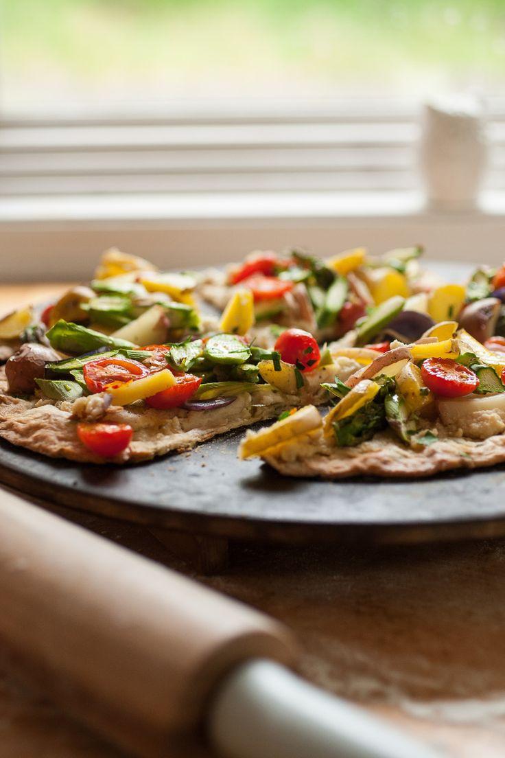 Fladenbrot Pizza mit Spargel & Baby Kartoffeln