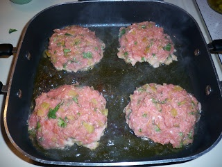 different spin on green chili turkey burgers