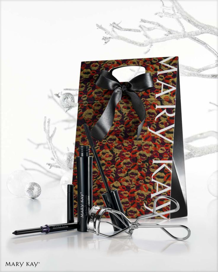 """Com o kit para presente """"Me Olha"""", o sucesso é garantido! Ele vem com o Lápis Retrátil para os Olhos Violet Ink + Máscara para Cílios Lash Love + Curvex. TUDO! ;)"""