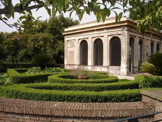 Ancient roman garden gardens pinterest for Roman garden designs