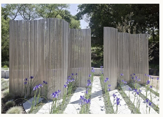 Rebar outdoor fence alternatives pinterest for Better homes and gardens fence ideas
