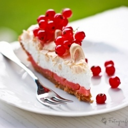 Absolutely stunning tart with red currant filling and meringue on top ...
