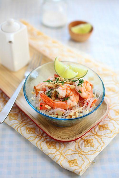 Yum Woon Sen (Thai Noodles Salad with Shrimp)
