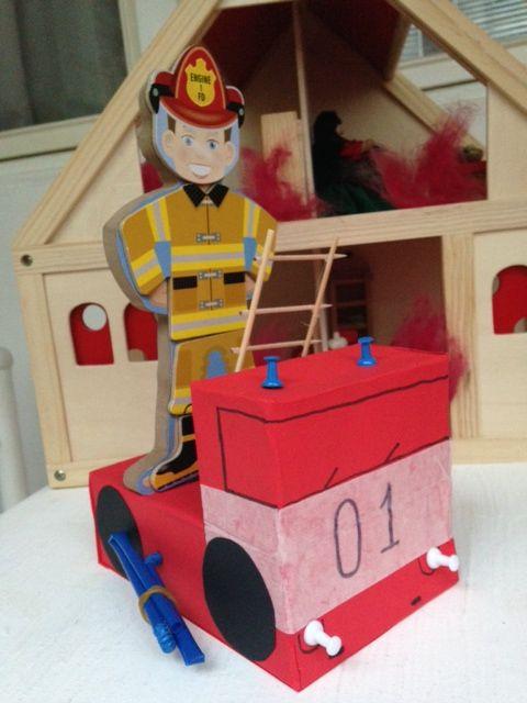 Аппликация пожарной машины и пожарного