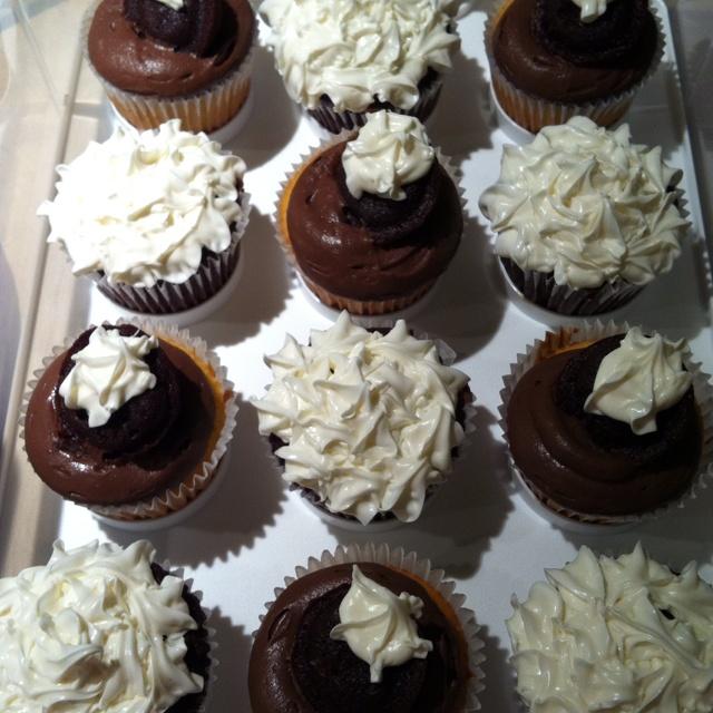 Double fudge and vanilla bean cupcakes | Sweets and Treats | Pinterest
