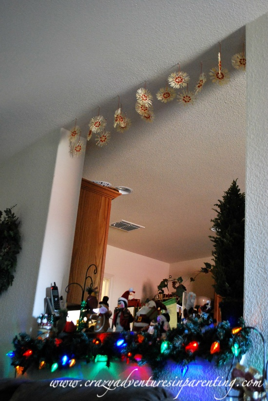 Cheap homemade christmas decorating ideas for Cheap xmas decoration ideas