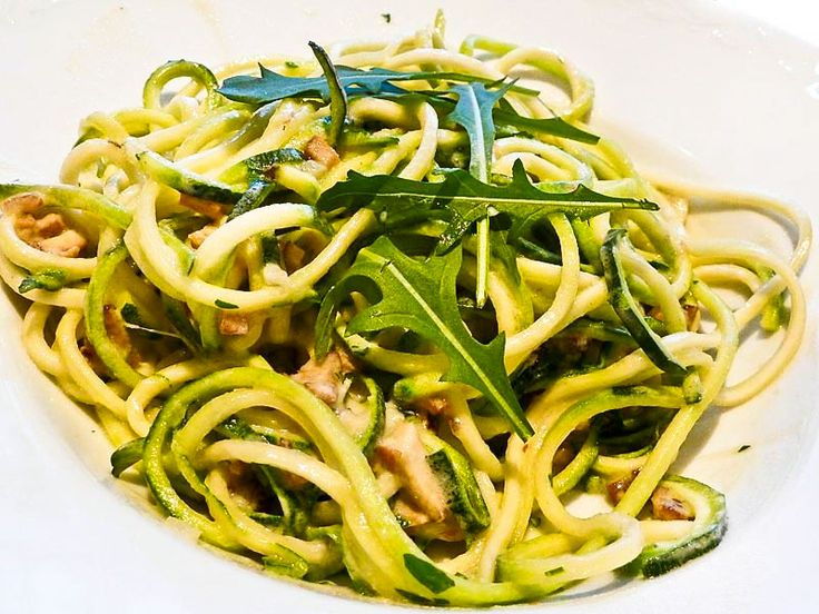 Zucchini alla Carbonara Sehr leckere vegane 'Spaghetti alla ...