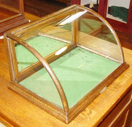 Countertop Glass Display Case : Small Oak Curved Glass Countertop Gum Display Case 14323 eBay
