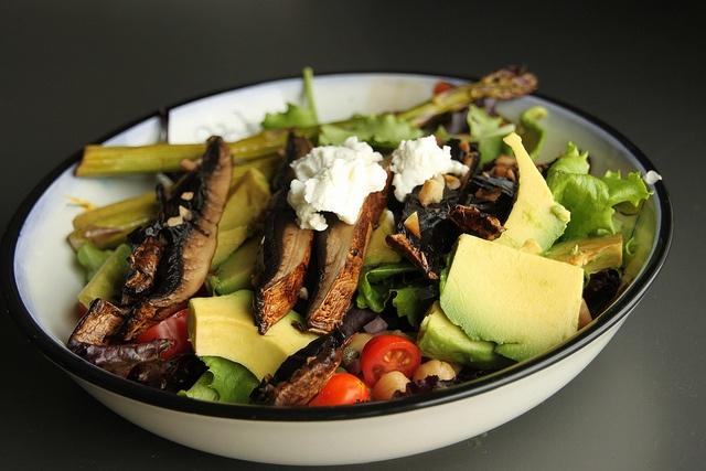 mushroom avocado salad