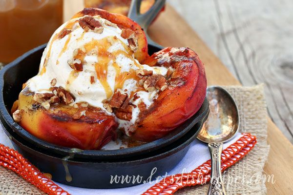 Grilled Peaches with Vanilla Ice Cream and Salted Caramel Sauce | Rec ...