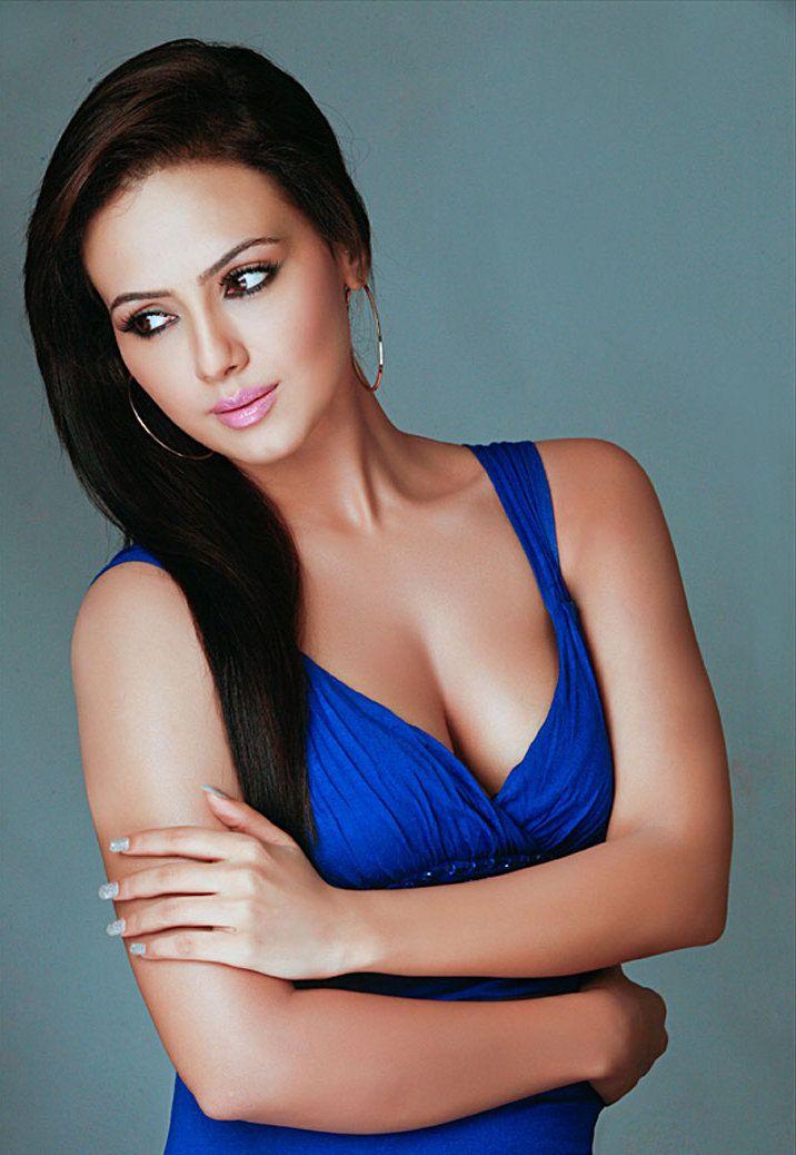 Sana Khan http://dailyimages4u.com/sana-khan/sana-khan/