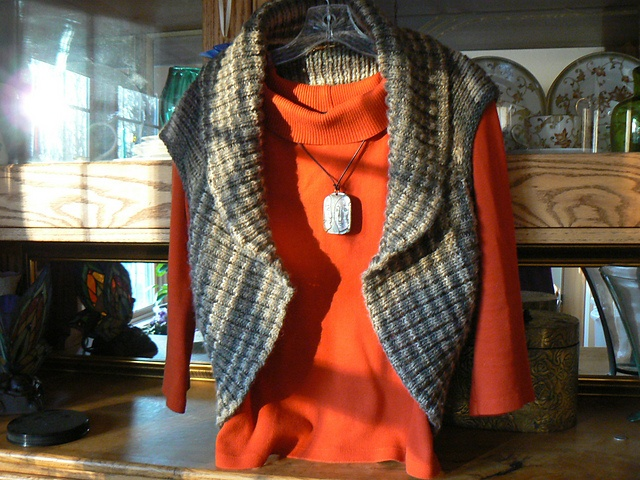Endless Circle Vest by Julie Farmer  free pattern  redheart yarn in Eclipse