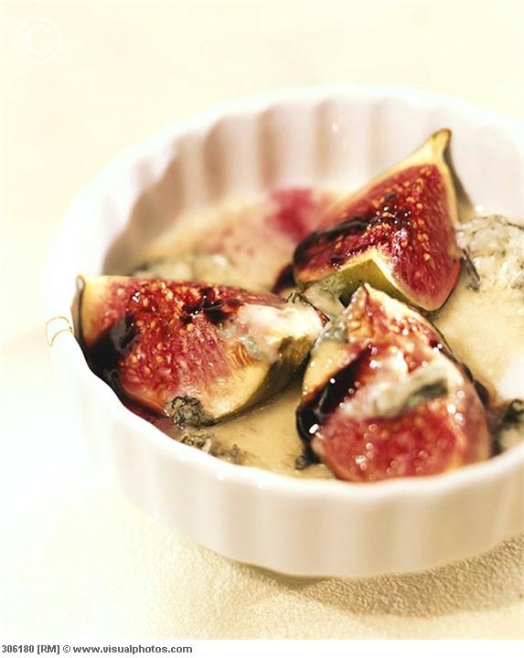 Baked Figs with Gorgonzola & Honey Sauce | Entrées, bouchées ...
