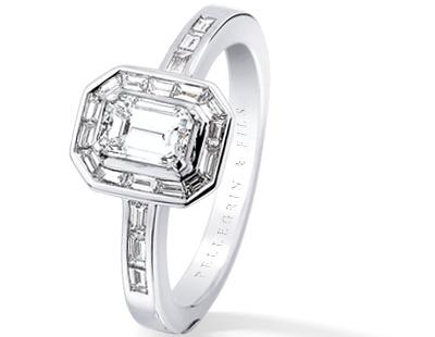 Bague Octogonale En Diamant Taille Emeraude Et Diamants Baguettes
