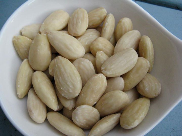 How to Blanch Almonds | ღThe Majick Kitchenღ ~Notes, Tables, Tips ...