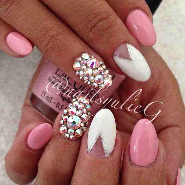 Almond Nail Art Nailsyulieg Yulie Gonzalez Instagram Photos