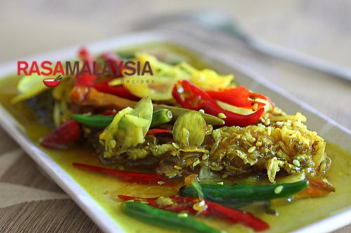 Nyonya Acar Fish: Acar fish is extremely tasty and tantalizing, with ...