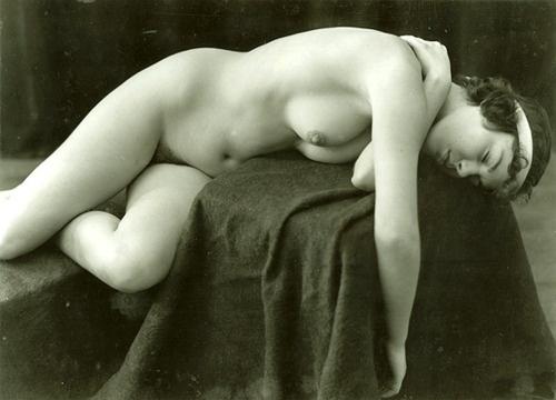 Mata hari nude photograph