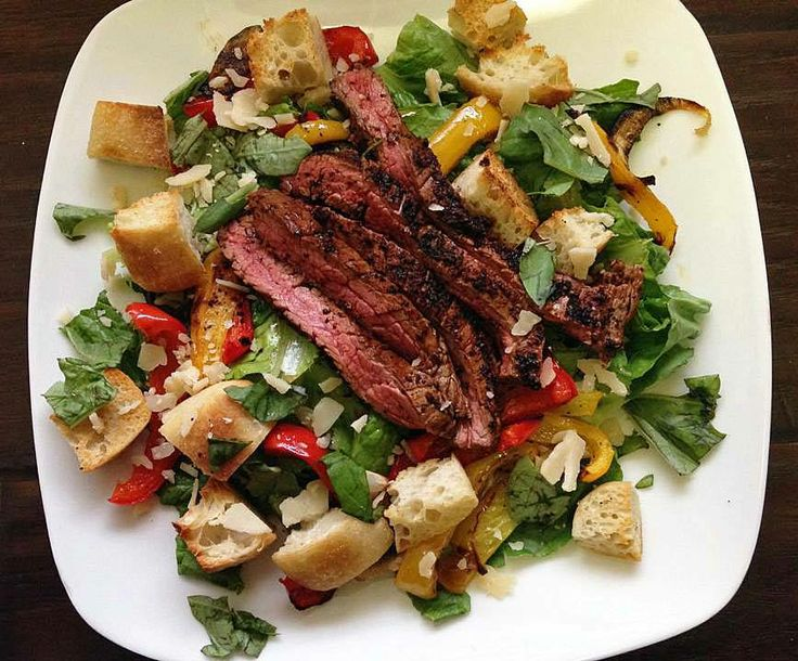 Chili Rubbed Steak and Roasted Pepper Salad | I EAT THEREFORE I COOK