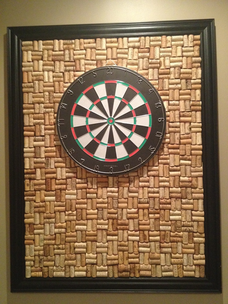 dart board with 1000 used wine corks crafty pinterest. Black Bedroom Furniture Sets. Home Design Ideas
