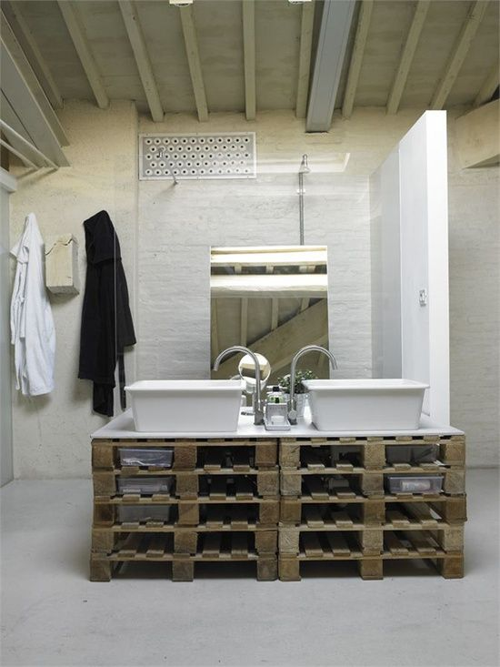 Diy bath sink made of wooden pallets diy home ideas for Bathroom ideas made from pallets