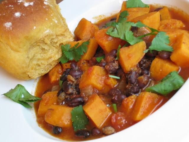 Black Bean and Sweet Potato Chili | b e l l y | Pinterest