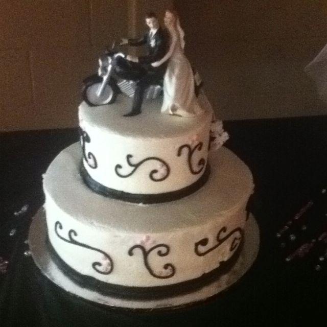 biker wedding cake wedding stuff pinterest. Black Bedroom Furniture Sets. Home Design Ideas