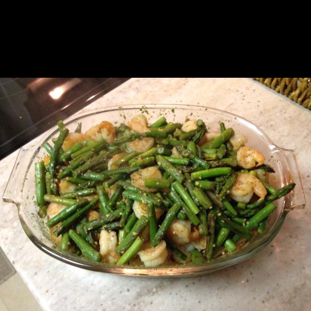 Shrimp with basil/Italian parsley pesto and asparagus over angel hair ...