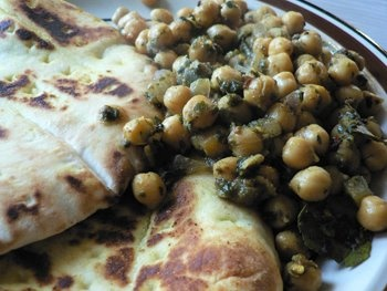... channa. spicy indian chickpeas. With spinach and storebought samosas