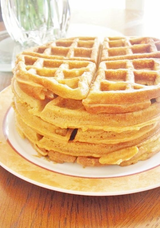 Spelt Waffles (Dairy Free and Sugar Free)