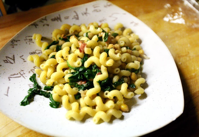 ... Easy Weeknight Pasta: Cavatappi with Bacon, Spinach, and Chickpeas
