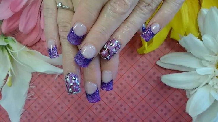 nails #wildorchidnails #frenchtips #fashion #runway #polish #shellac