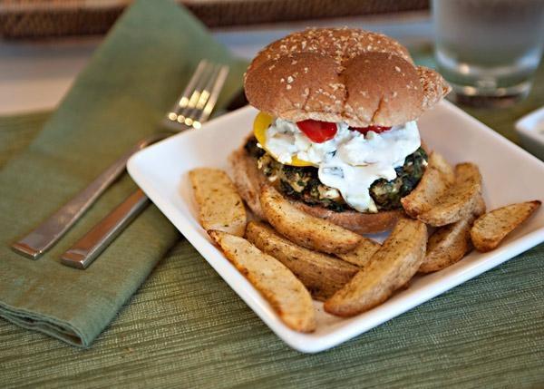 Greek Spinach Feta Burgers with Cucumber Yogurt Sauce | Recipe