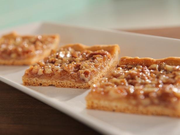 Quick Crescent Pecan Pie Bars Recipe: super simple to make, prep and ...