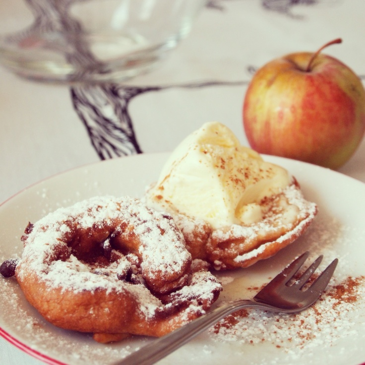 sweet apples with vanilla ice cream | Yum..Sweets | Pinterest