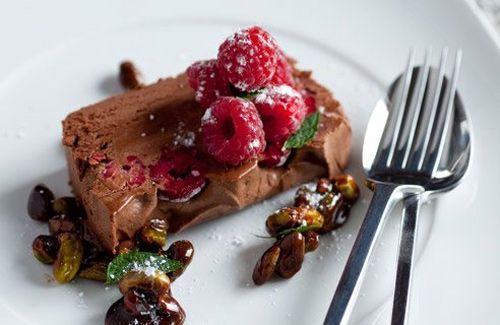 Chocolate and raspberry mousse | Mousses, Flans, Trifles & such | Pin ...