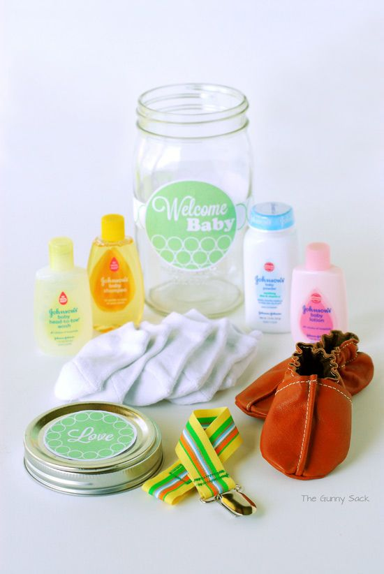 Welcome Baby Jar - gifts for new babies.  Moms at the table bring something that will fit in a jar