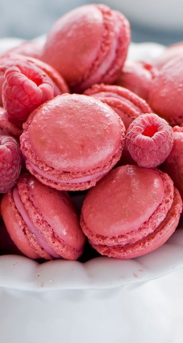 Raspberry macaroons | Why I need to learn to cook! | Pinterest