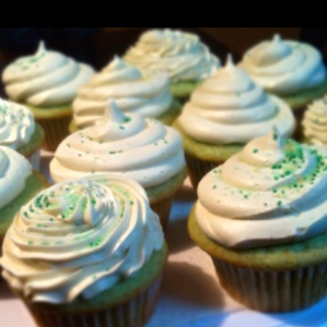Pistachio Cupcakes! | Sweets and other Treats! | Pinterest