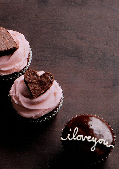 little brownie heart cupcake topper.