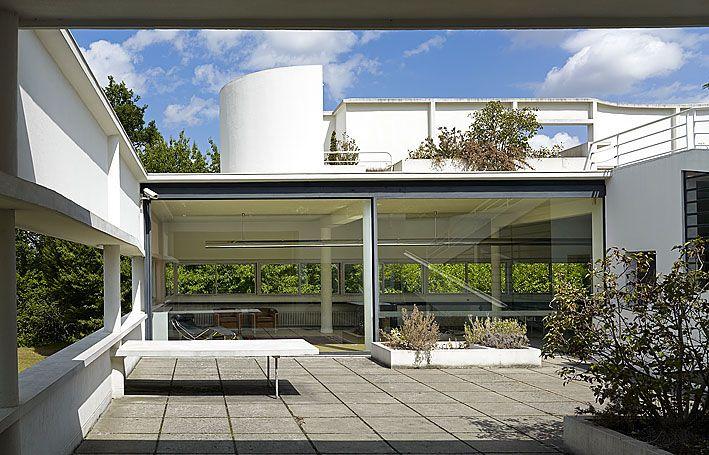 Villa savoye le corbusier architecture history ids pinterest - Le corbusier villa savoye ...