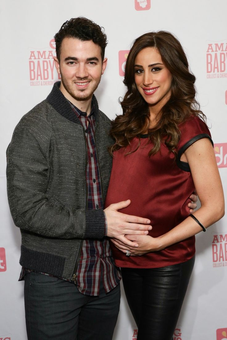 There's a JoBaby on the way! Kevin Jonas and Danielle Jonas beam as they prepare to add another Jonas to the family on Jan. 7 in New York