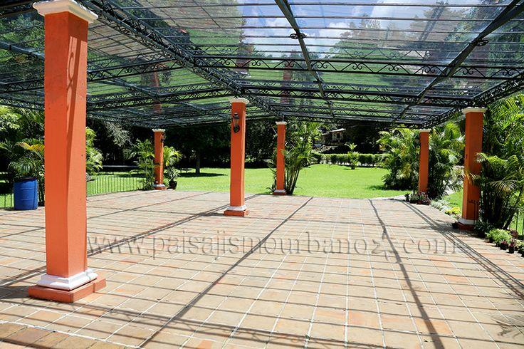Pin by paisajismo urbano on curso de jardines verticales for Paisajismo urbano