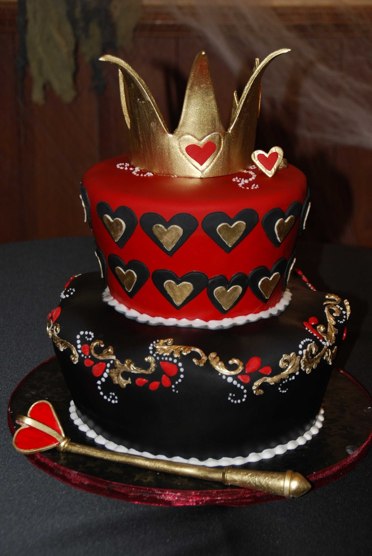 Queen of Hearts cake  Sugar!!!!!  Pinterest