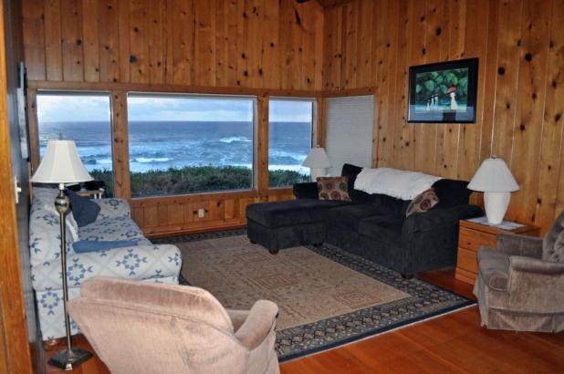 Living room beach houses (rentals) Pinterest